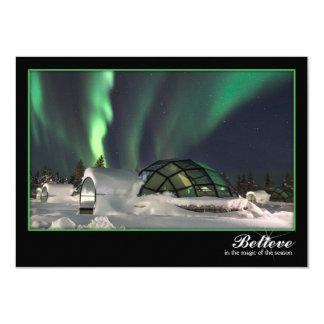 Tarjeta de Navidad mágica de la aurora boreal