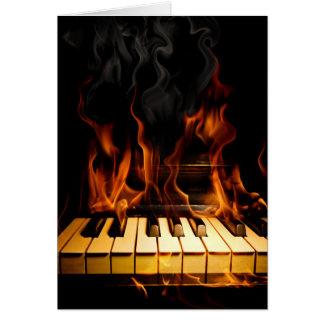 Tarjeta de nota ardiente del piano