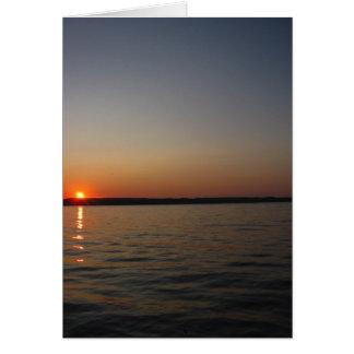 Tarjeta de nota de la puesta del sol del lago