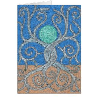 Tarjeta de nota entrelazada de los árboles