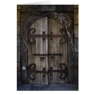 Tarjeta de nota fantasmagórica gótica de la puerta