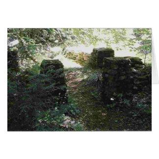 Tarjeta de piedra de cuatro pilares