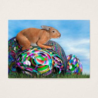 Tarjeta De Visita Conejo en su huevo colorido para Pascua - 3D