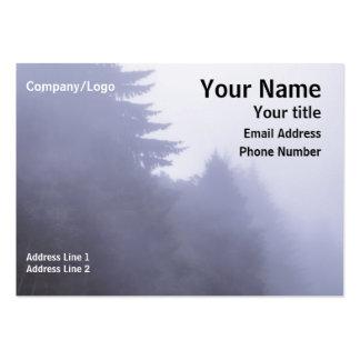 Tarjeta de visita de niebla de los árboles