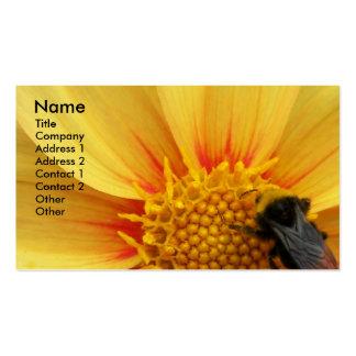 Tarjeta de visita floral de la foto de la abeja de