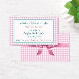Tarjeta de visita rosada bonita de la guinga y del