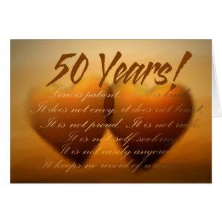 Tarjeta del corazón del aniversario de 50 años