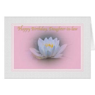 Tarjeta del cumpleaños de la nuera con el lirio de