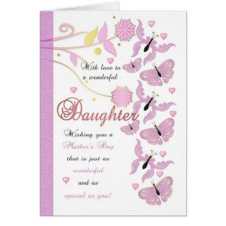 Tarjeta del día de madre de la hija con las flores