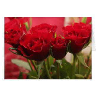 Tarjeta del el día de San Valentín con los rosas