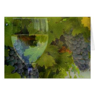 Tarjeta del feliz cumpleaños del vino