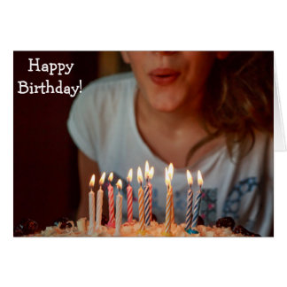 Tarjeta del feliz cumpleaños: Soplar las velas