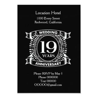 Tarjeta diecinueveavo aniversario de boda blanco y negro
