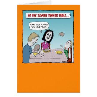 Tarjeta divertida de Halloween: Cena del zombi