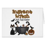 Tarjeta divertida de Halloween de la bruja de Hall