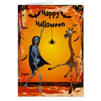 Tarjeta divertida de Halloween de la jirafa y del