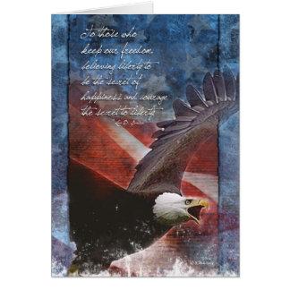 Tarjeta Eagle patriótico en vuelo