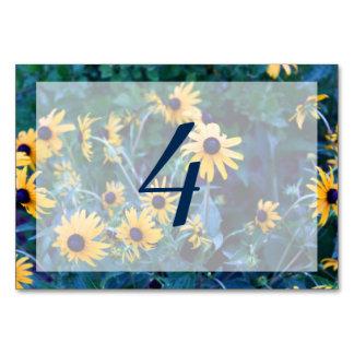 Tarjeta Editable de la tabla de la flor amarilla