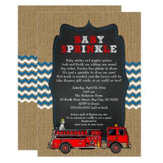 Tarjeta El bebé del coche de bomberos asperja, fiesta de