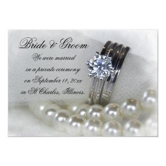 Tarjeta El blanco de los anillos de diamante gotea la