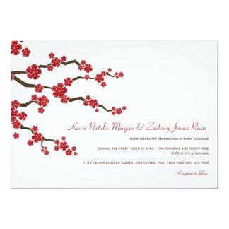 Tarjeta El boda asiático de las flores de cerezo rojas de