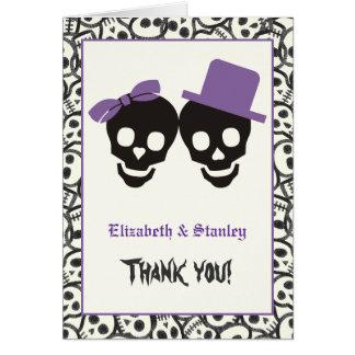 Tarjeta El boda púrpura de Halloween de los cráneos