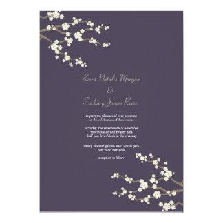 Tarjeta El casarse púrpura blanco de las flores de cerezo