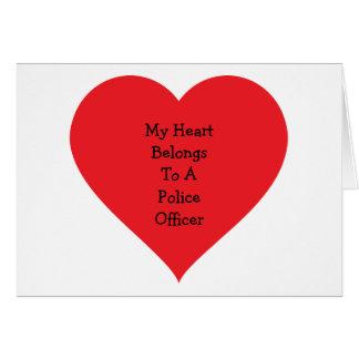Tarjeta El corazón pertenece el poli 2 (el personalizable)