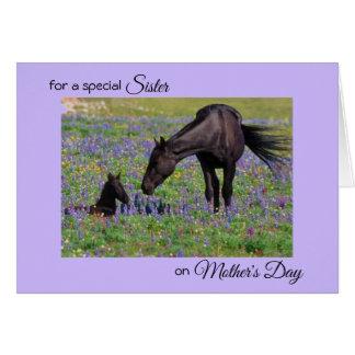 Tarjeta El día de madre para el potro de la yegua de la