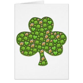 Tarjeta El día de St Patrick de la cerveza del trébol del