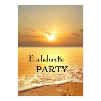 Tarjeta El fiesta de oro de Bachelorette de la playa de la