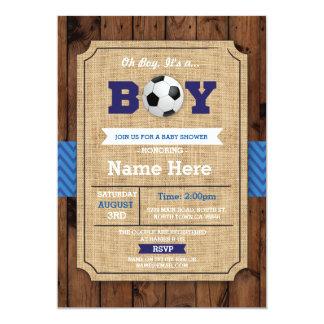 Tarjeta El fútbol de madera azul del muchacho de la fiesta