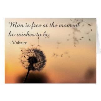 Tarjeta El hombre es cita libre de Voltaire