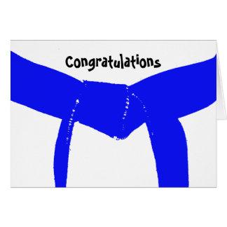 Tarjeta Enhorabuena azul clara de la correa de los artes