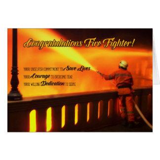 Tarjeta Enhorabuena graduada del bombero