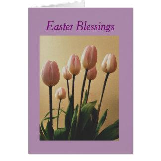 Tarjeta Envíe las bendiciones de Pascua con los tulipanes