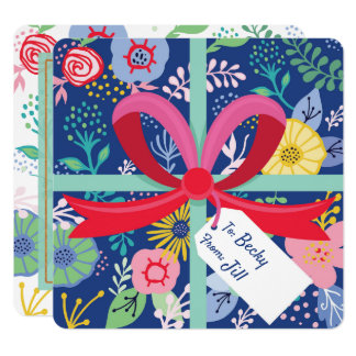 Tarjeta envuelta flor floral del feliz cumpleaños