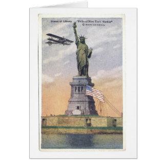 Tarjeta Estatua del vintage de la PC de la libertad con el