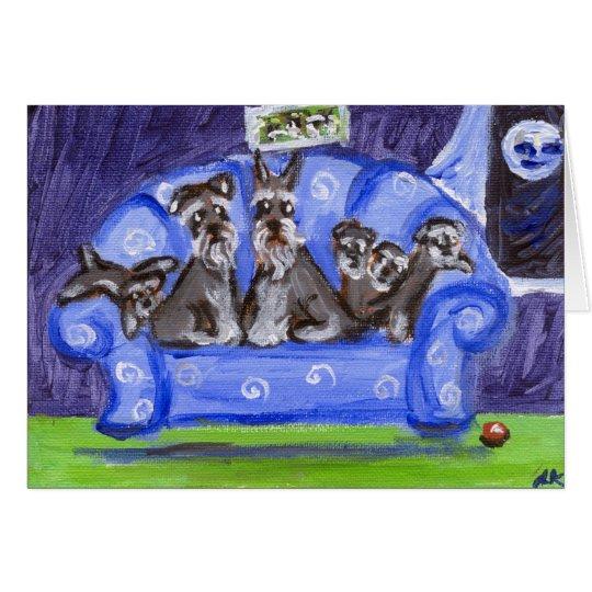 Tarjeta familia del sofá del schnauzer