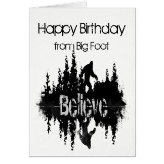Tarjeta Feliz cumpleaños Sasquatch pie grande divertido