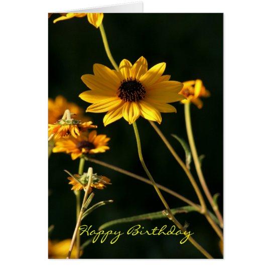 Tarjeta feliz de Birthda de la flor amarilla