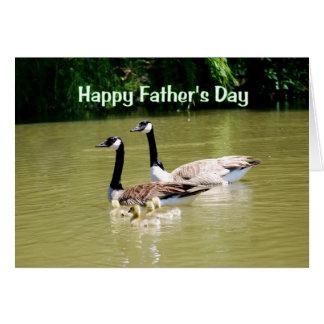 Tarjeta feliz de la familia del ganso del día de