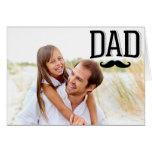 Tarjeta feliz de la foto del día de padre del bigo