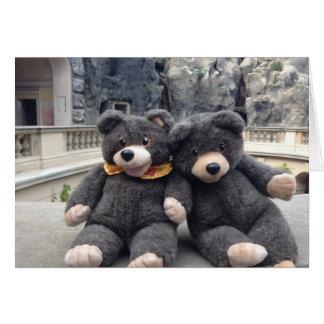 Tarjeta feliz del día conocido con los osos lindos