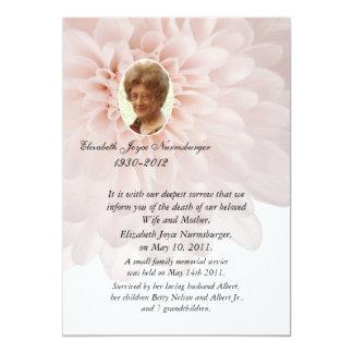 Tarjeta floral rosada de la invitación de la