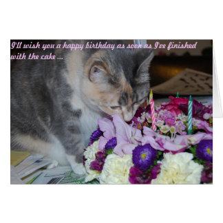Tarjeta, flores y gato de cumpleaños tarjeta
