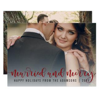 Tarjeta Foto roja casada y feliz del recién casado de la