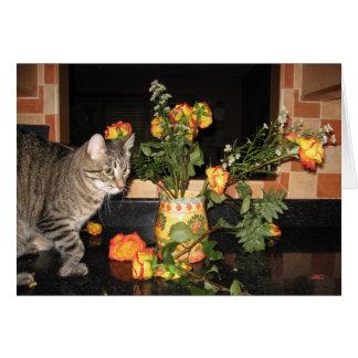 Tarjeta Gatito delgado y los rosas