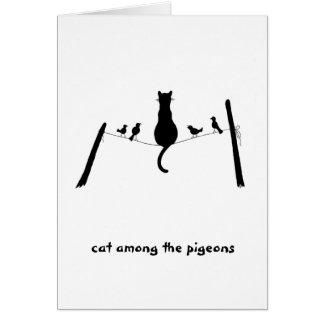 Tarjeta Gato entre las palomas