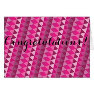 Tarjeta geométrica rosada de la enhorabuena